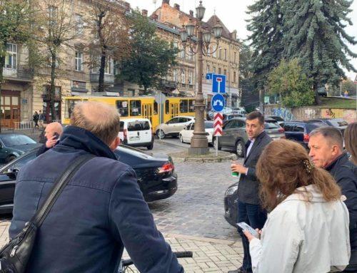 «Як можна перекривати магістральну вулицю без готової схеми об'їзду? – Зінкевич